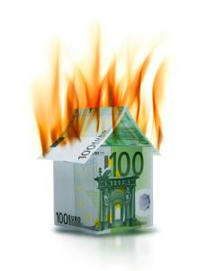 Palaako talo vai rahaa?