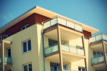 Asuntoja ja osakkeita